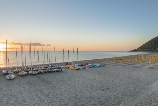 Spiaggia Perdepera al tramonto