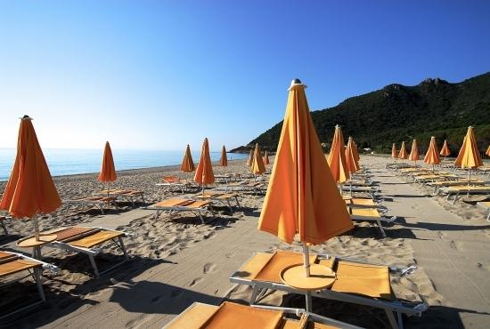Ombrelloni e lettini da spiaggia