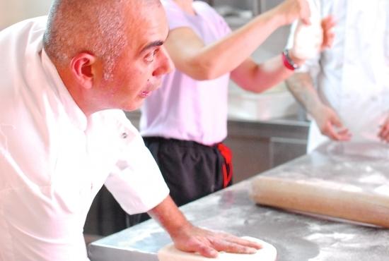 Chef spiega come prepare l'impasto