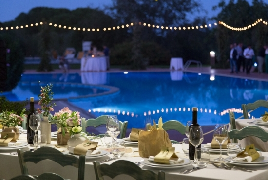 Location for weddings with swimming pool