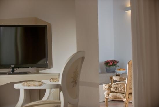 Junior Suite furnishings